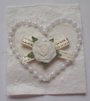White Rose and Pearl Heart Topper