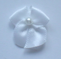 10 Single Pearl Bow - White