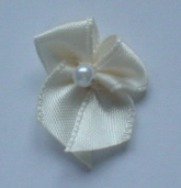 10 Single Pearl Bow - Cream
