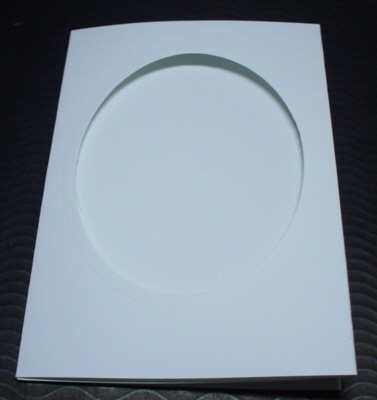 Oval A6 cards and matching envelopes White pack of five